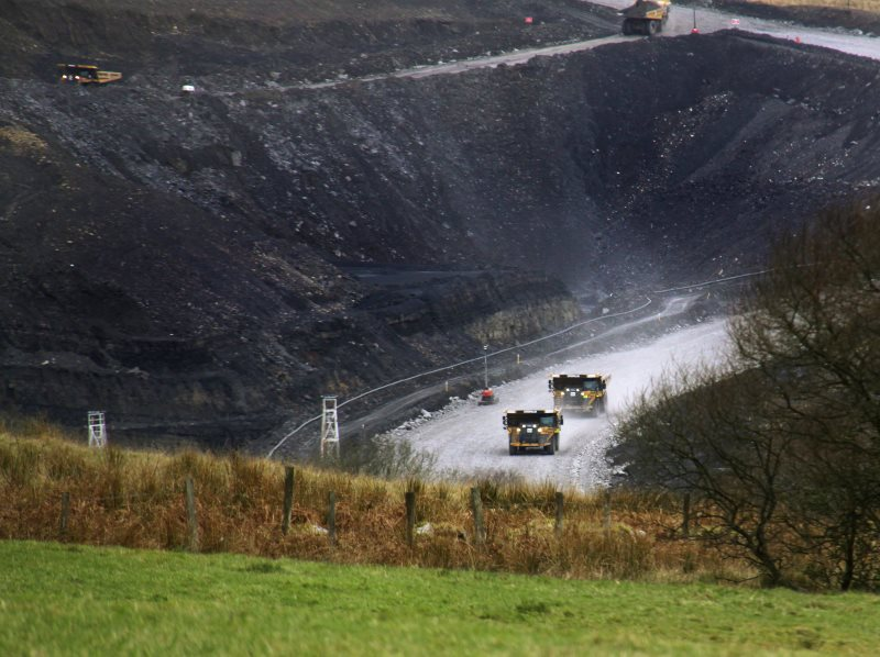 Opencast coal mine at Pont Neddfechan, Wales, UK. Photo: Ben Salter via Flickr (CC BY).