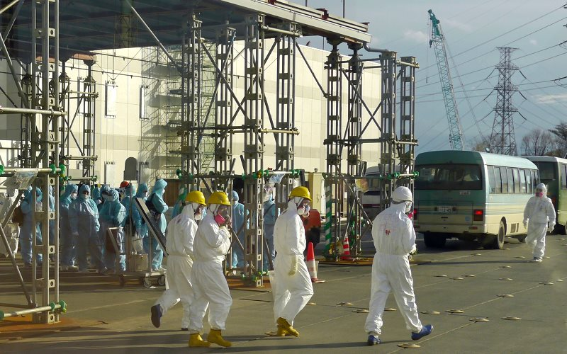 Workers on site at Fukushima Daiichi, December 2012. Photo: IAEA Imagebank via Flickr (CC BY-SA).
