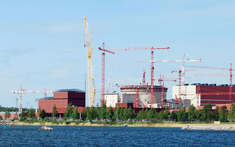 EPR nuclear plant under construction at Olkiluoto in Finland in 2009 - the year it was due for completion. It may finally be ready in 2018 - or then, it may not. Photo: kallerna via Wkimedia (Public Domain).
