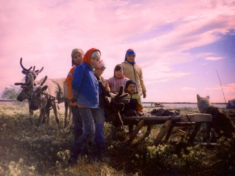 Reindeer and Khanty children in the Numto Nature Preserve in 2006. Photo: Irina Kazanskaya via Flickr (CC BY).