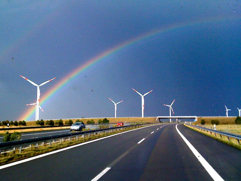 This wind farm in Mecklenburg-Vorpommern allows the entire state to run on 100% renewable energy. Photo: Clemens v. Vogelsang via Flickr (CC BY).