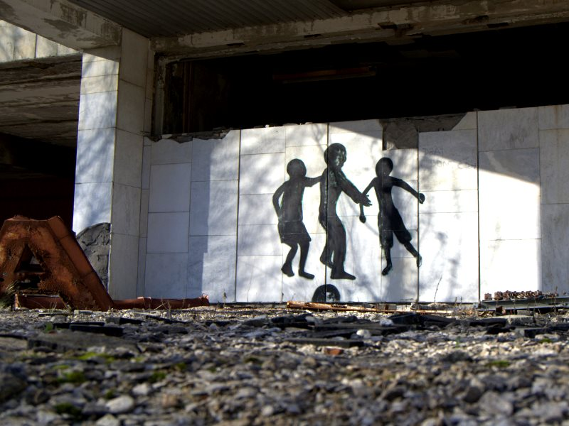 Building at Chernobyl, Ukraine, 15th November 2012. Photo: Stijn D'haese via Flickr (CC BY-NC-SA).