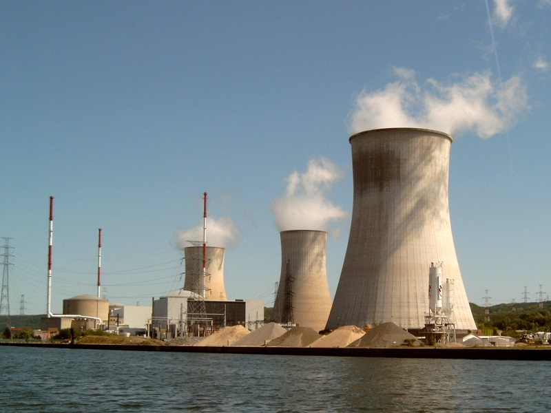 Tihange nuclear power plant, where a number of workers had their security clearances revoked. Photo: Michielverbeek via Wikimedia Commons (CC BY-SA)