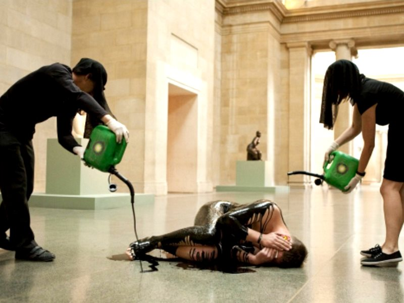 Nothing washes darker! BP's greenwashing efforts exposed in a Tate protest. Photo: Liberate Tate / Amy Scaife.
