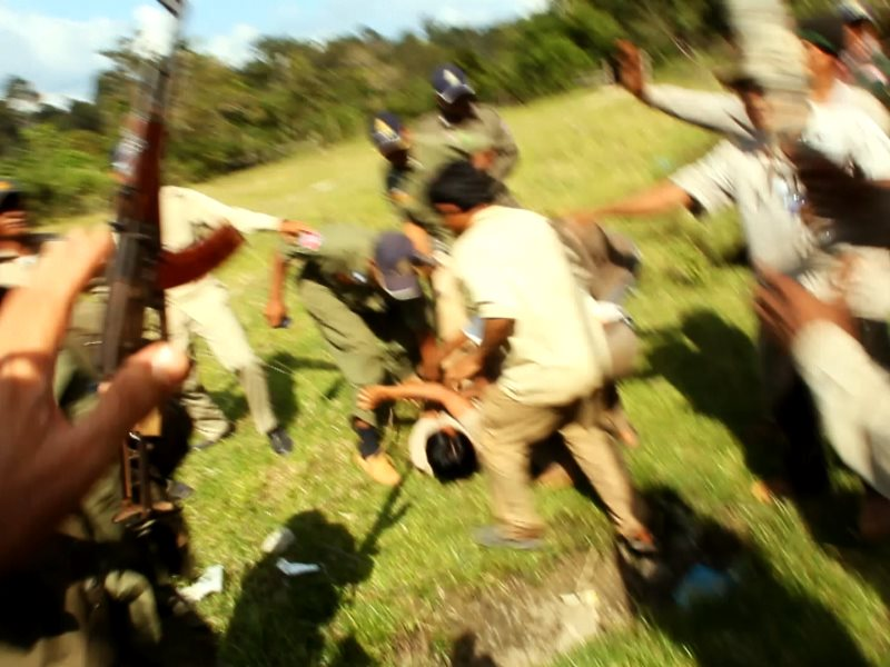 Cambodian army soldiers attack Chut Wutty, November 2011. Photo: Vanessa de Smet Last Line Productions / N1M.