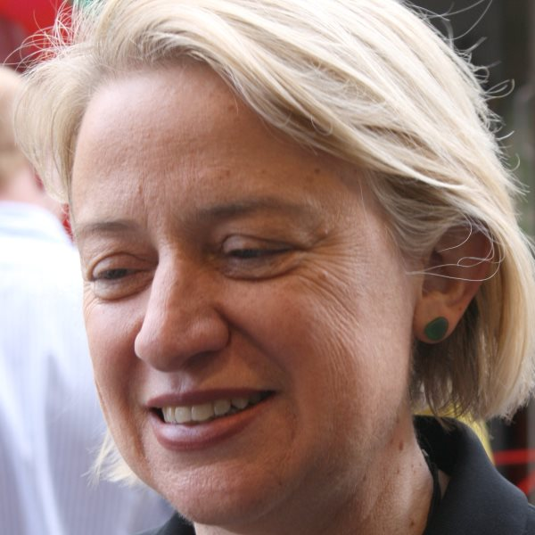 Natalie Bennett campaigning in Cambridge during the general election of 2015. Photo: Rama via Wikimedia Commons (CC BY-SA).