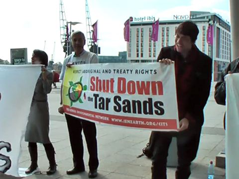 Tar sands protest at BP AGM