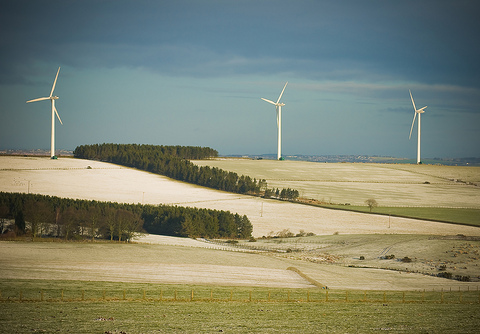 Wind turbines near Tow Law, County Durham, UK. Photo: Jonathan Pearson / pearsongraphics via Flickr.com.