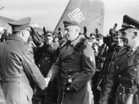 On 10 March 1943 Hitler visited Army Group South's headquarters in occupied Ukraine. Photo: Heinrich Hoffmann / German Federal Archives / Wikimedia Commons.