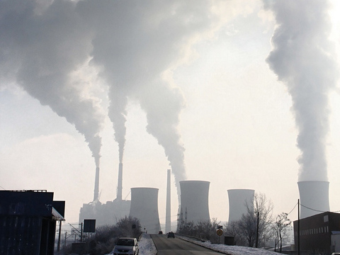 Coal fired power stations will be among those to benefit from the freezing of the 'carbon floor price'. Photo: Emilian Robert Vicol via Flickr.com.