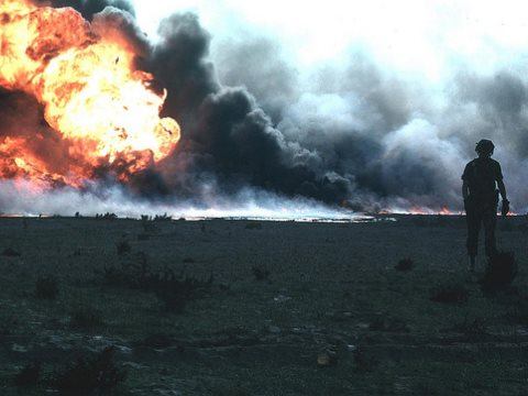 Burning oil field in Kuwait, Gulf War 1. Photo: VA Comm via Flickr (CC BY-NC 2.0).