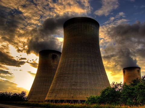 Drax power station by Jonathan Brennan via Flickr, (CC BY-ND-NC 2.0).