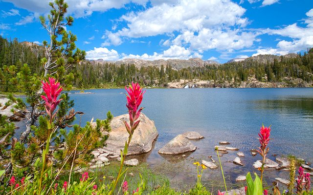 Too good to frack? Spogen Lake lies in the Absaroka-Beartooth Wilderness in Carbon County, Montana. Photo: Troy Smith via Flickr (CC BY-ND-NC 2.0).