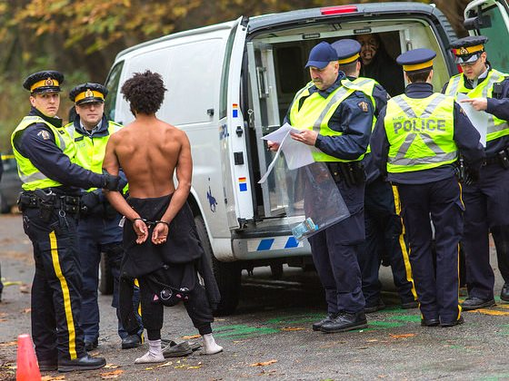 Protest rally against Kinder Morgan at Burnaby Mountain Park, 20th November 2014. Photo: Mark Klotz via Flickr (CC BY 2.0).