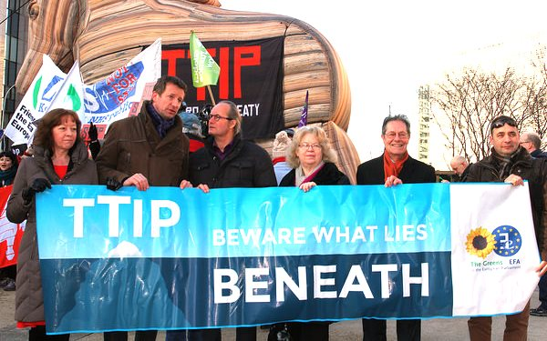 Beware what lies beneath! Green / EFA MEPs supporting hundreds of the Transatlantic Trade and Investment Partnership (TTIP), 4th February 2015. Photo: greensefa via Flickr (CC BY 2.0).
