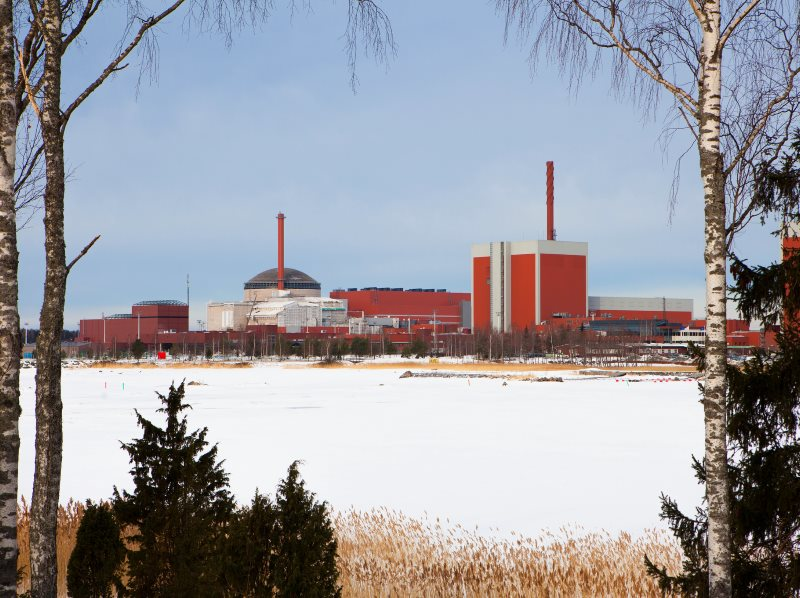 The Olkiluoto nuclear power complex in the snow, with the Unit 3 EPR under construction to the left. A second EPR has now been cancelled. Photo: Mattias Olsson via Flickr (CC BY-NC-SA).