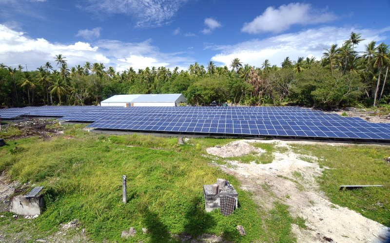 The Fakaofo solar array on Tokelau, which provides all the island's electricity. Photo: Chính Đặng-Vũ via Flickr (All rights reserved).