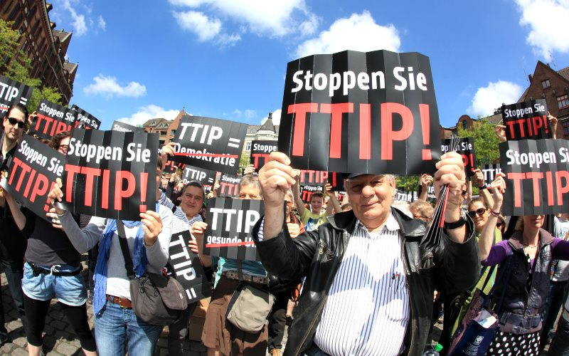 A TTIP flashmob event in Hamburg - one of many protests that have won over popular opinion, and increasiongly, that of MEPs. Photo: Campact via Flickr (CC BY-NC).