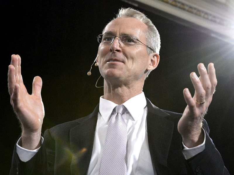 Bob Inglis, Executive Director at the Engery and Enterprise Institute, taking part in a panel discussion on how to sell carbon pricing to Canadians in Ottawa on Wednesday, April 17, 2013, hosted by Canada 2020. Photo: Canada 2020 via Flickr (CC BY-NC-ND).