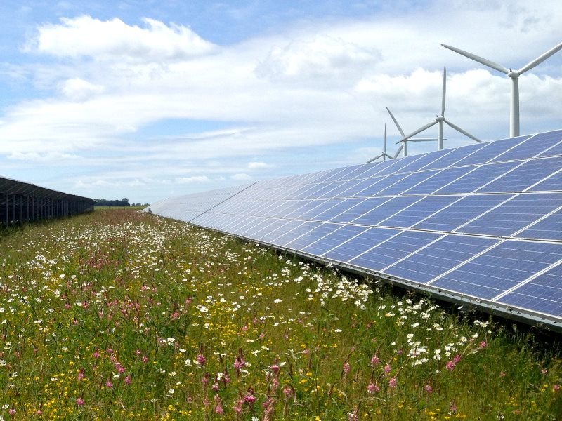 Cooperative and renewable: the Westmill wind and solar farm in south Oxfordshire. Photo: Richard Peat via Flickr (CC BY-NC-ND).