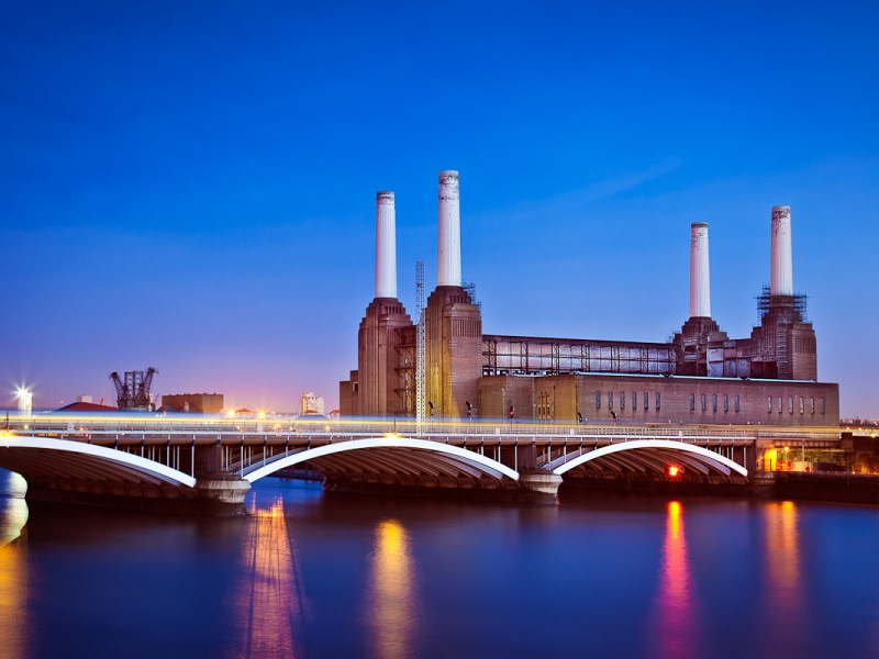 Look, no smoke! London's Battersea power station was closed in 1983 and survives only as an architectural icon. Will all coal power stations end up like this? Photo: Mark Colliton via Flickr (CC BY-NC-ND)