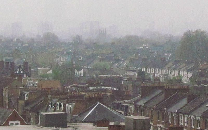 Serious pollution in Stoke Newington, North London, England, 3rd April 2014. Photo: David Holt via Flickr (CC BY).