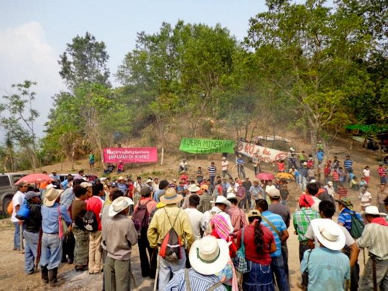 The Rio Blanco community at its blockade of the Agua Zarca dam. Photo: COPINH.