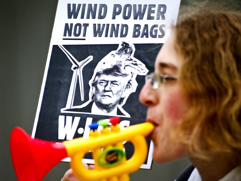 'Wind Power not Wind Bags' rally in Edinburgh on the occasion of Donald Trump's appearance before the Scottish Parliament Energy and Tourism Committee, 25 April 2012. Photo: Friends of the Earth Scotland / Maverick Photo Agency via Ric Lander on Flickr (C