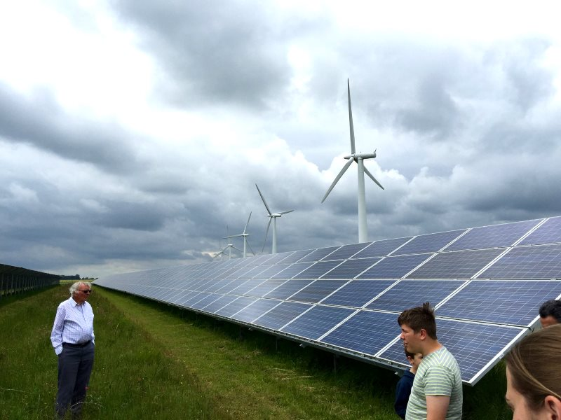 Wind and solar power at work on the Westmill Cooperative Open Day 2015. Photo: Richard Peat via Flickr (CC BY-NC-ND).