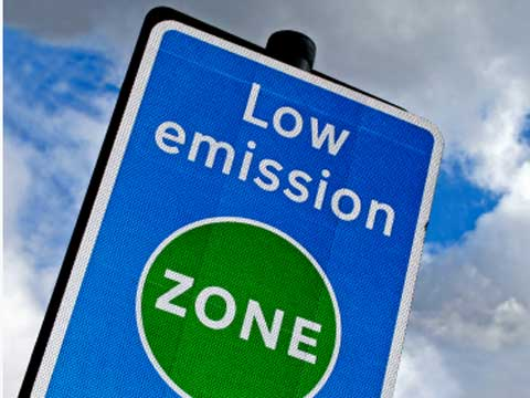 Low emission zone sign in London