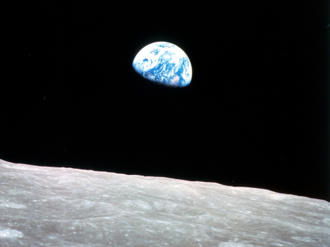 Earthrise. Photo: Bill Anders / NASA.