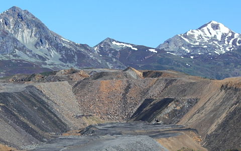 A view to distant mountains, Muxiven and Cornon, across the coal mines. Photo: Filon Verde.
