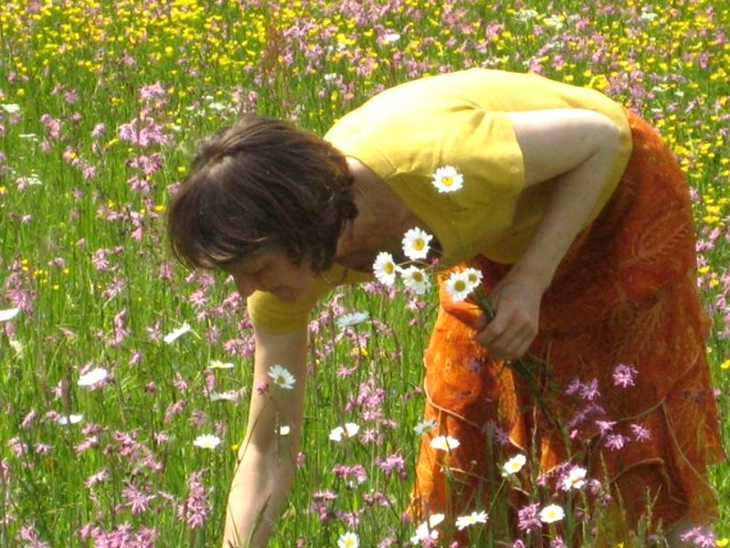 Jadwiga gathering wild flowers. Photo: ICPPC.