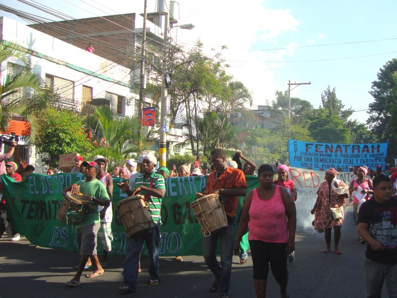 A social movement demonstration in Tegucigalpa against rising prioces and the Lobo regime. Photo: hondurasdelegation via Flickr (CC BY-NC-SA).
