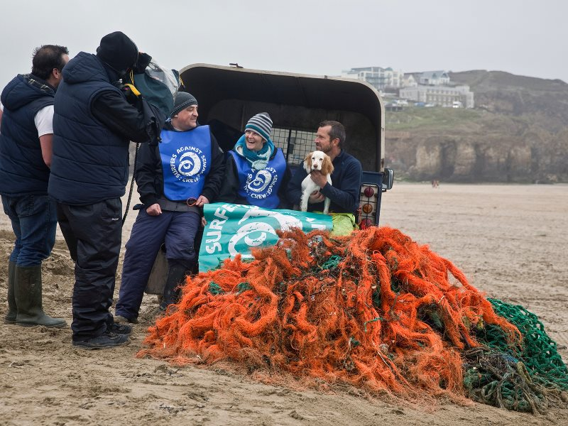 Beach clean 2015 at Perranporth, Cornwall. Photo: Greg Martin / SAS.