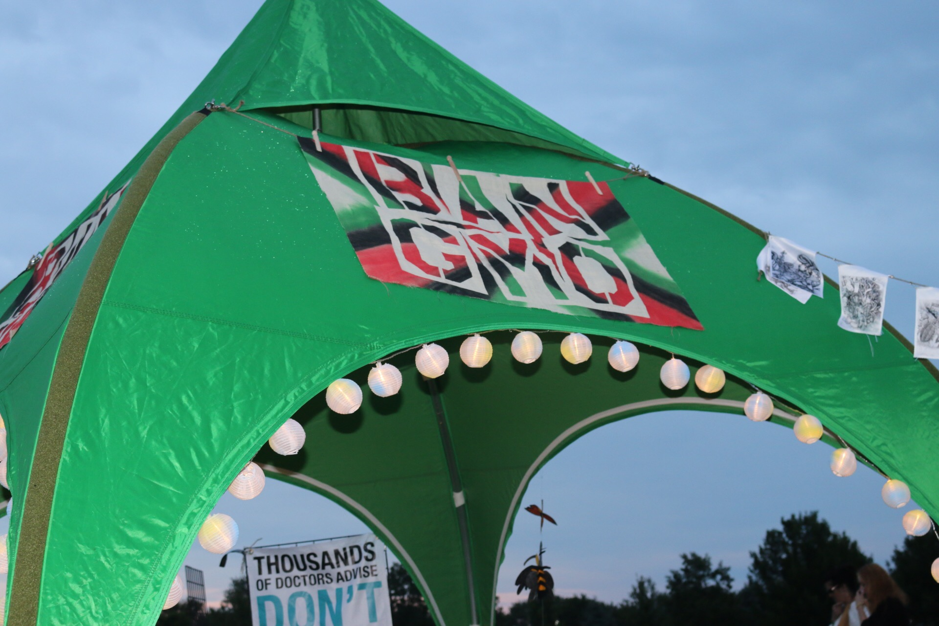 The official Ban GMOs tent at a recent Neil Young concert in the US. Photo: Beyond GM.