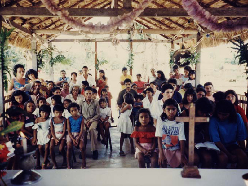 A young congregation in Father Edilberto's church