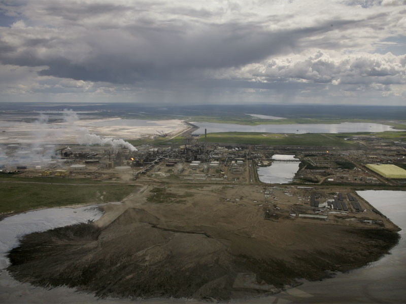 Tar sands oil refinery from the air