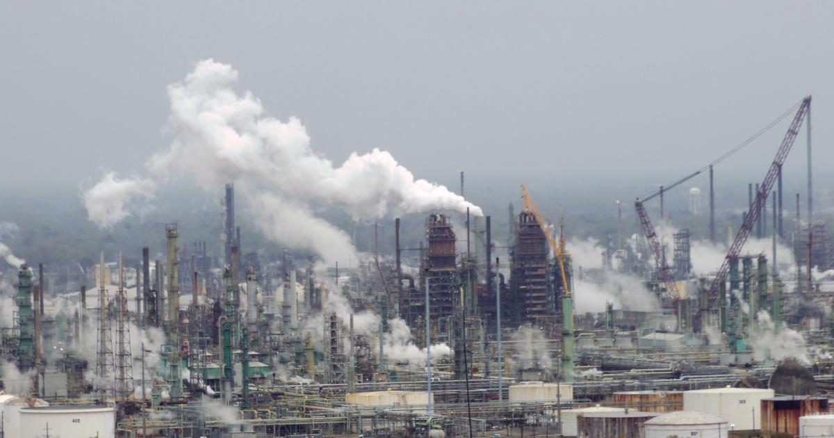 exxon_mobil_oil_refinery_-_baton_rouge_l
