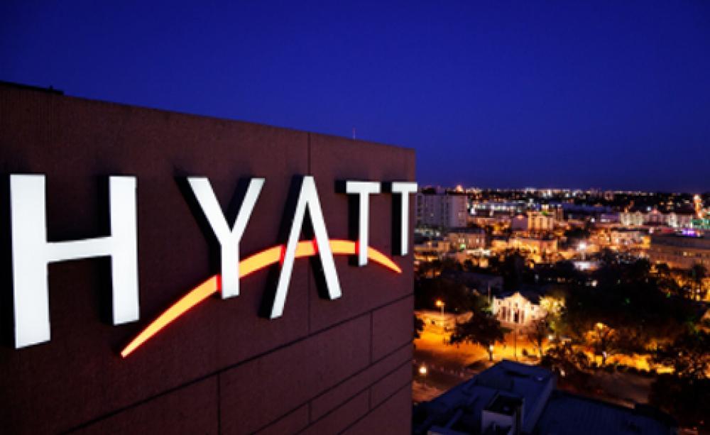 Αποτέλεσμα εικόνας για Hyatt Signs on