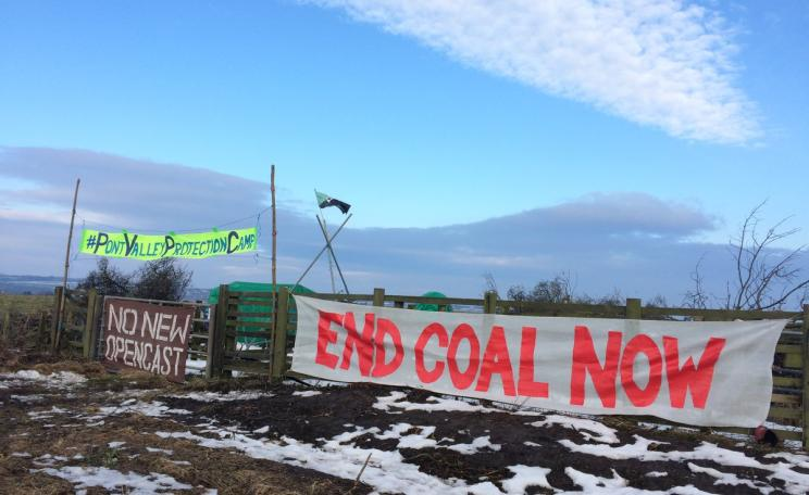 Protest banners: End Coal Now.