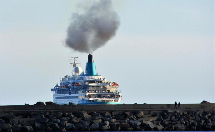 Cruise ship emitting pollution