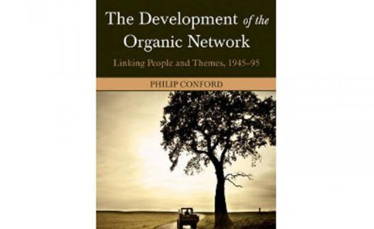The Development of the Organic Network: Linking People and Themes, 1945-95