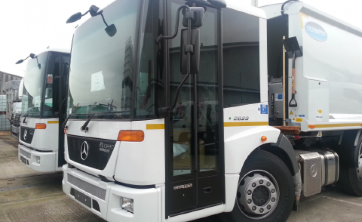 The Mercedes Econic has large glass areas to the front and side that give the driver a direct view of nearby pedestrians and cyclists. Photo: LCC.