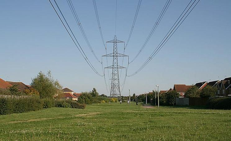 Power lines over Didcot's Ladygrove Estate -  by Jonathan Rawle via Flickr.com.. The electromagnetic fields from the lines are harmless - excess leukemia results only when there are high levels of  radioactive fallout for the fields to concentrate.