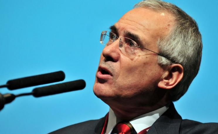 Nicholas Stern at the COP15 United Nations climate Change conference, in Copenhagen, Denmark. Photo: Neil Palmer / CIAT (CC BY-SA).