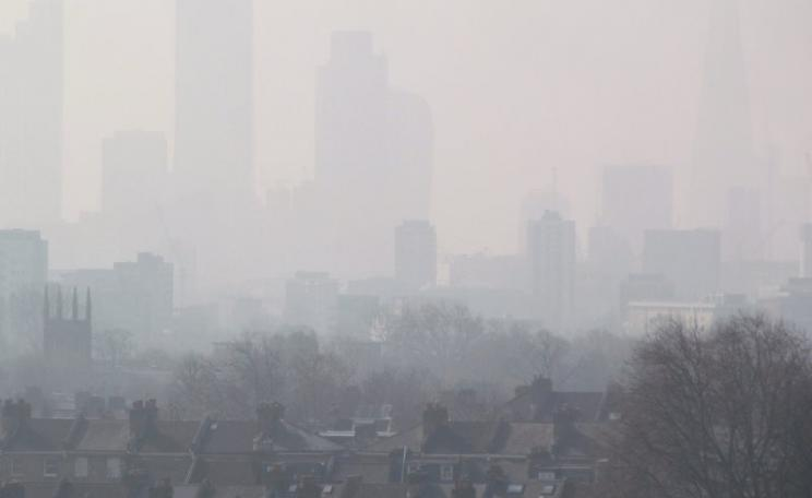 When the government breaks the law over air pollution, who will be able to hold it to account? London Air Pollution View from Hackney, 10th April 2015. Photo: DAVID HOLT via Flickr (CC BY-SA).