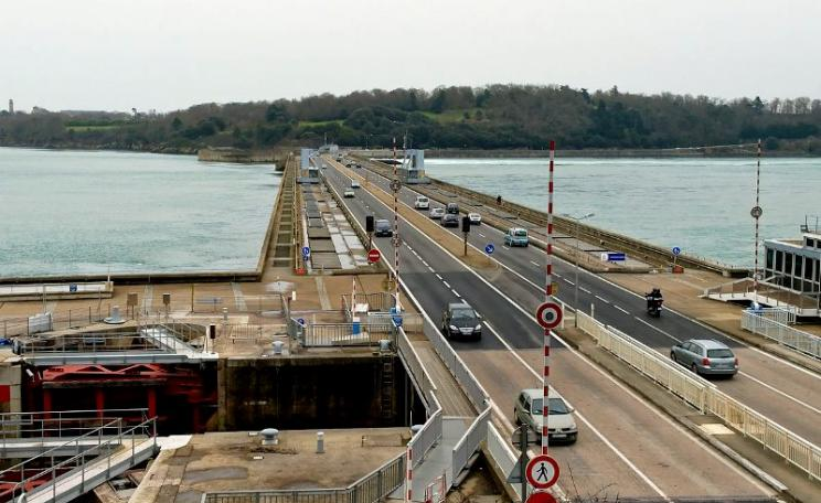 The La Rance tidal power station near Saint-Malo in France has been producing an average 62MW of power since 1966. Photo: Stephanemartin via Wikimedia (CC BY-SA).