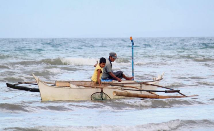 Fishing in Ayungon, Philippines, among the many places in developing countries where local fishing provides protein and livelihood. Photo: Rare (CC BY).