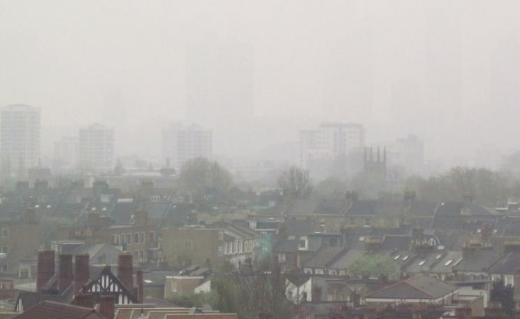 London's air pollution is so bad, it can be seen on occasion. Photo: David Holt via Flickr (CC BY 2.0)